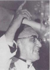 Monseñor romero.bmp 3 (1)
