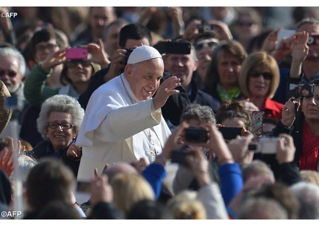El Papa Francisco durante la audiencia general del 4 de marzo en la Plaza de San Pedro - AFP