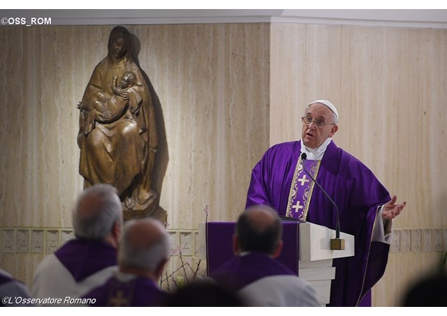 El Papa Francisco reanudará la celebración de la Misa matutina en la Capilla de la Casa de Santa Marta el próximo 13 de abril - OSS_ROM
