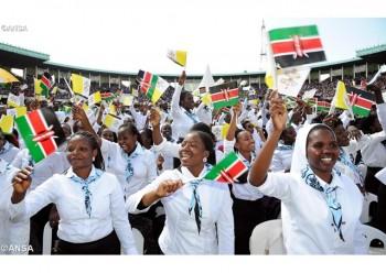 La alegría de la juventud keniata por el encuentro con el Papa Francisco en en Estadio de Kasarani en Nairobi. - ANSA
